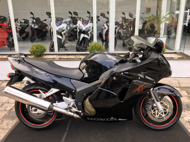 CBR 1100 Super BlackBird